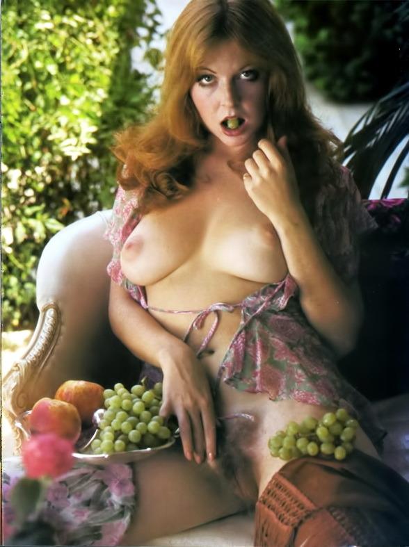 Elvira Nude 06.jpg