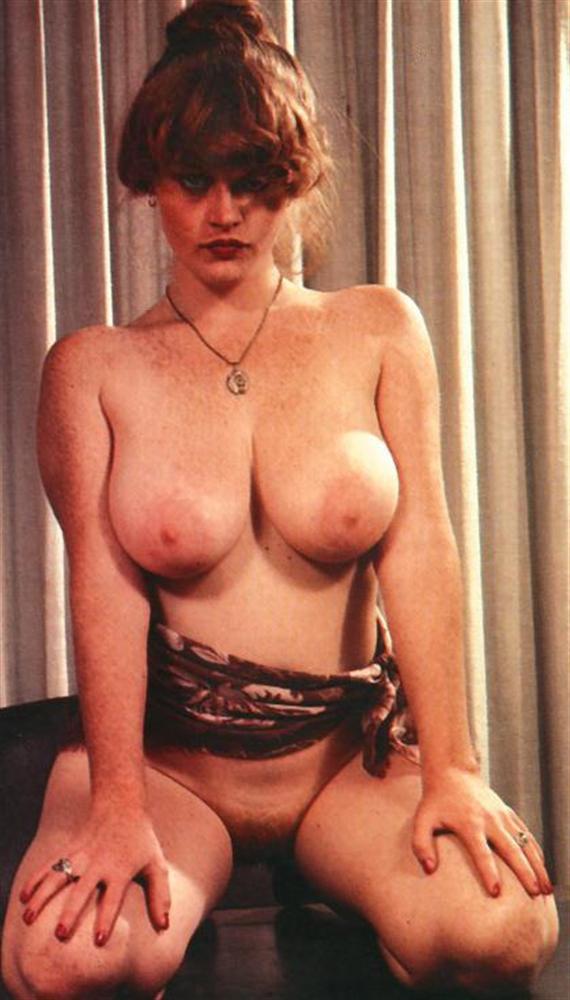Lisa De Leeuw 14.jpg