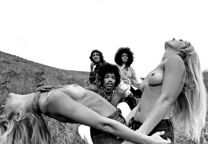 1968 jimi-hendrix-experience1.jpg