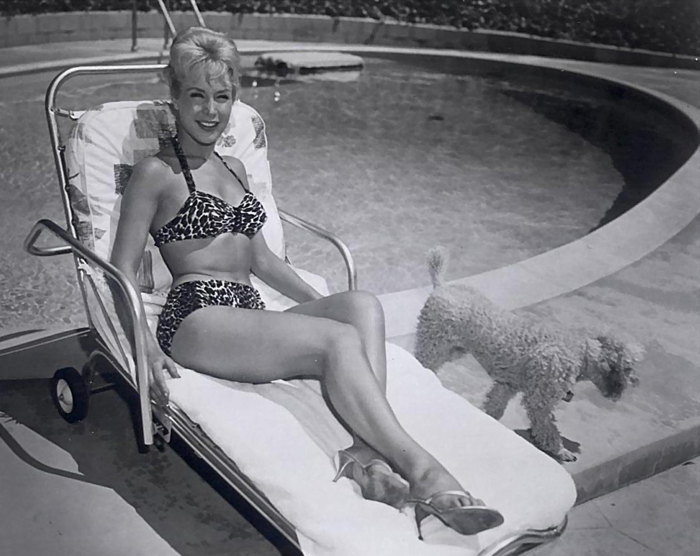 Barbara Eden 11.jpg