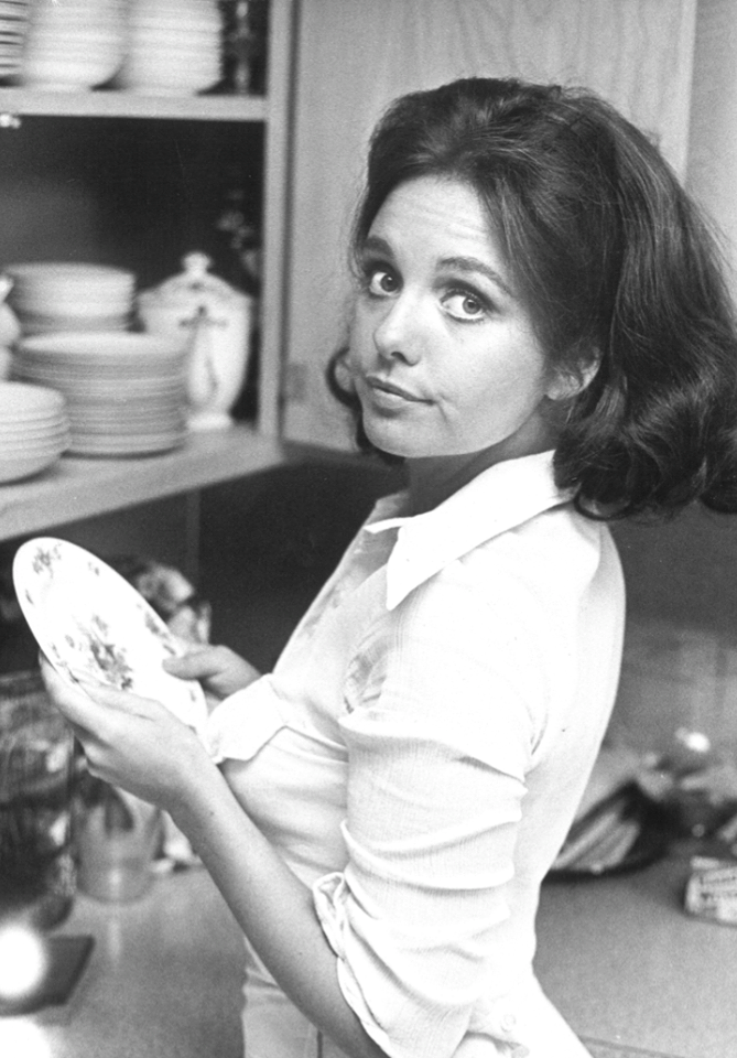 Dawn Wells Sexy 09.png