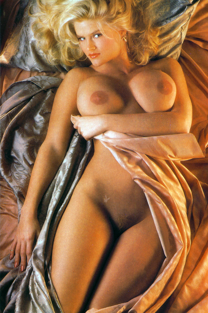 Anna Nicole Smith 12 Playboy 1992.jpg
