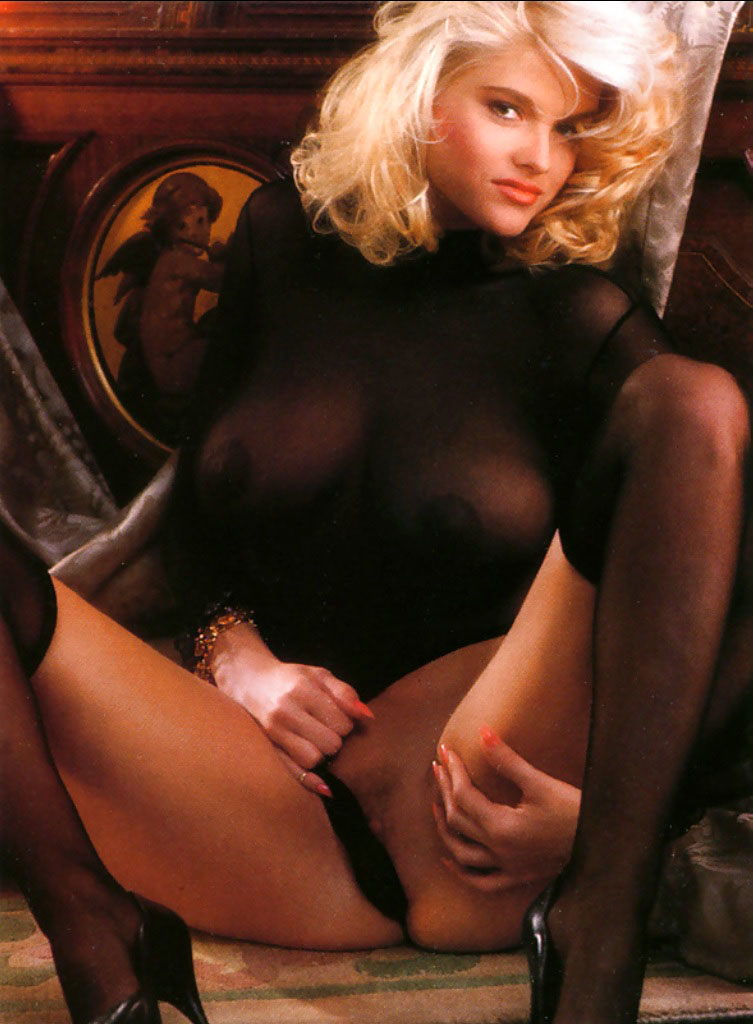 Anna Nicole Smith 13 Playboy 1992.jpg
