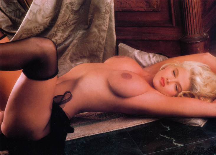 Anna Nicole Smith 16 Playboy 1992.jpg
