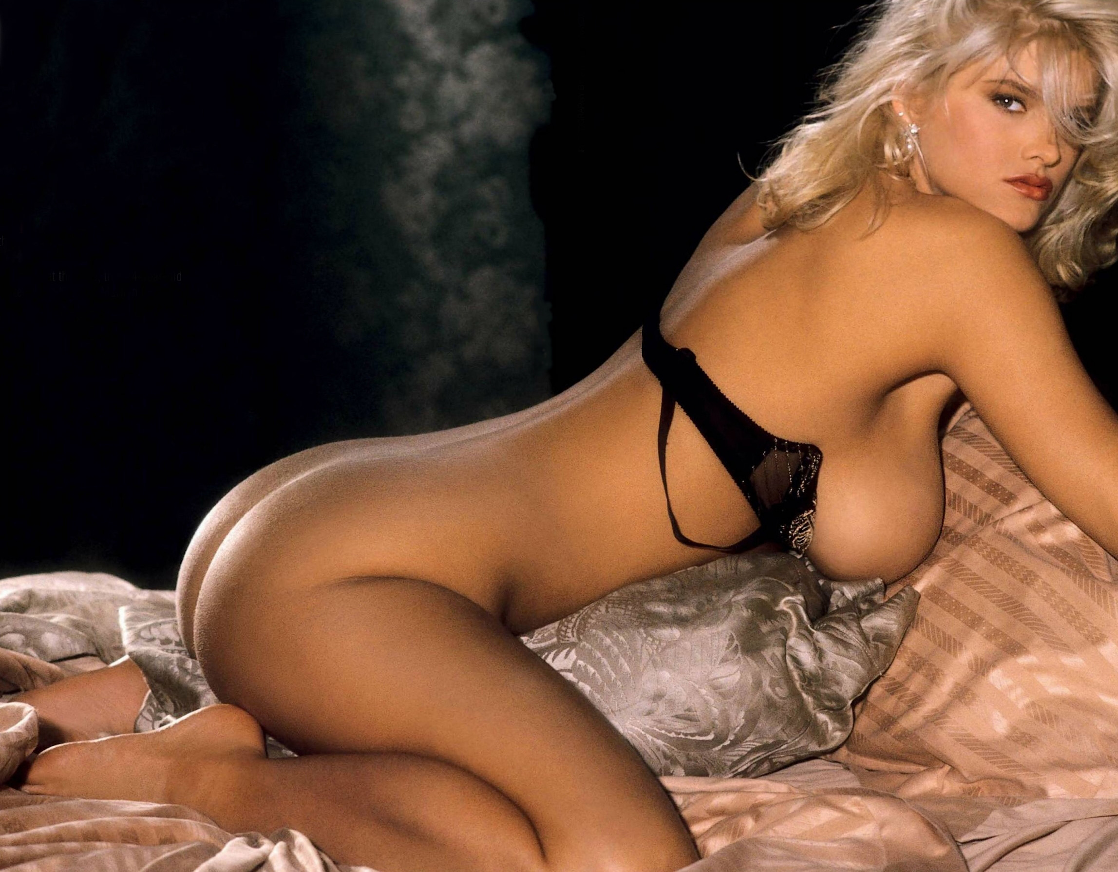Anna Nicole Smith 25 Playboy.jpg