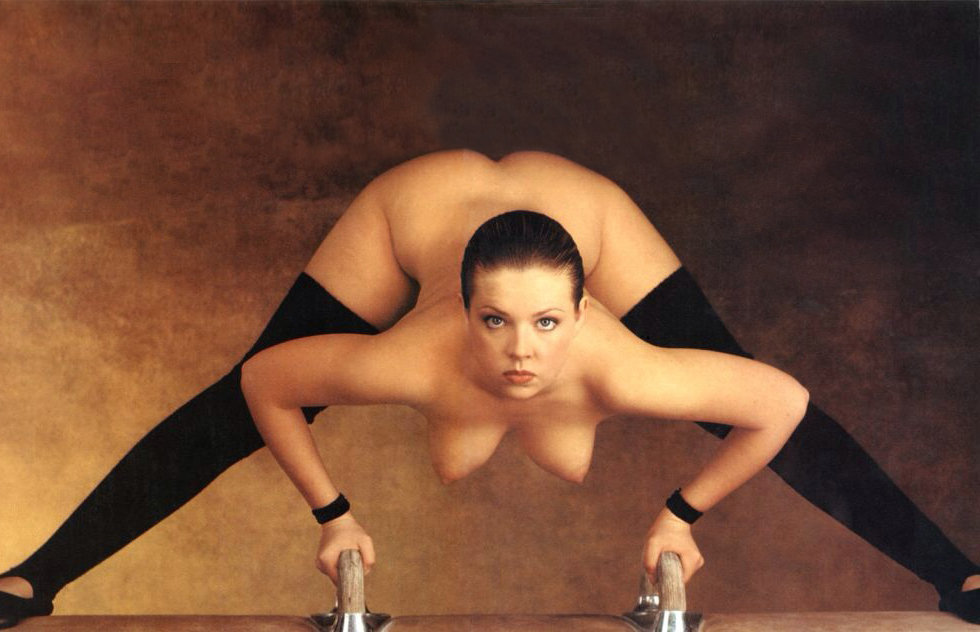 Bdsm naked female contortionists