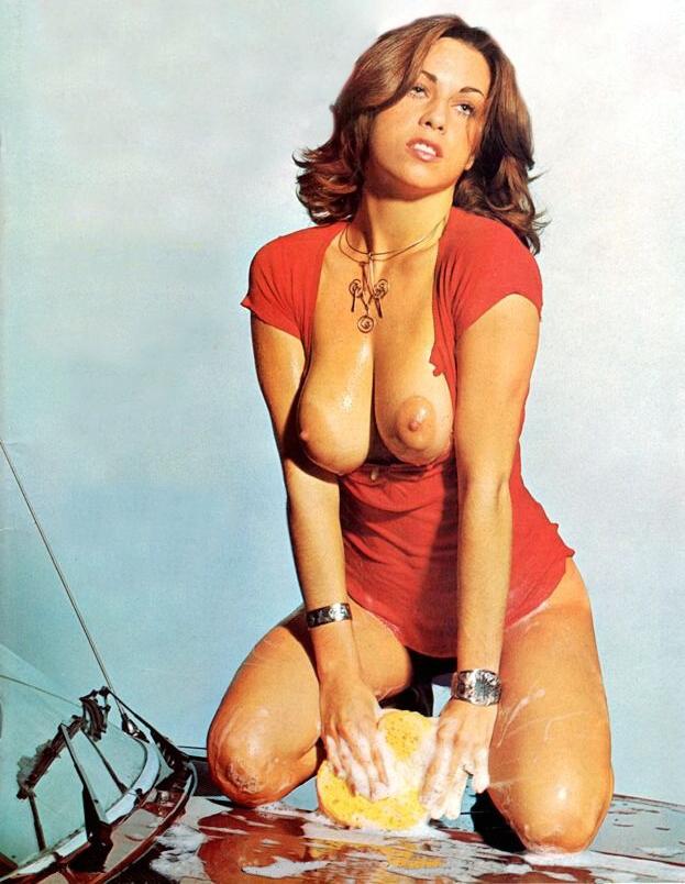 03 Linda Gordon Kingsize Magazine.jpg