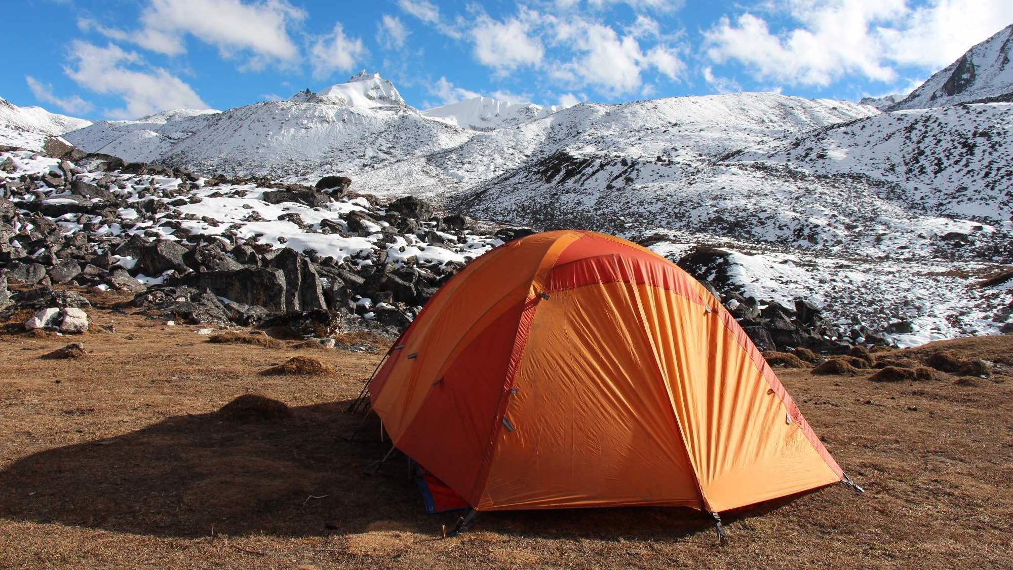Camp site set below one of the passes of the Snowman trek in Bhutan - Photo: Veronika Švecová