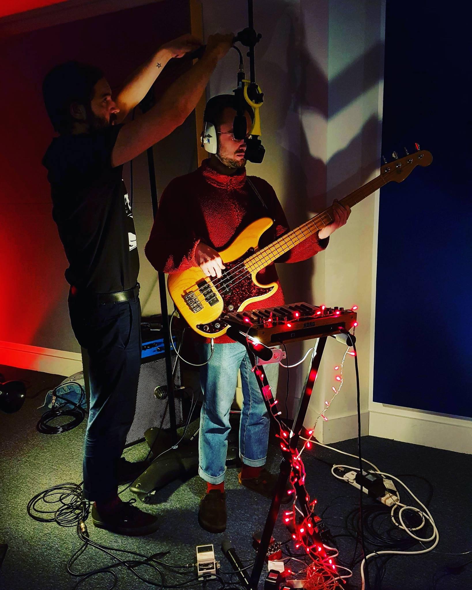 Camera + Ambisonic mic on bass