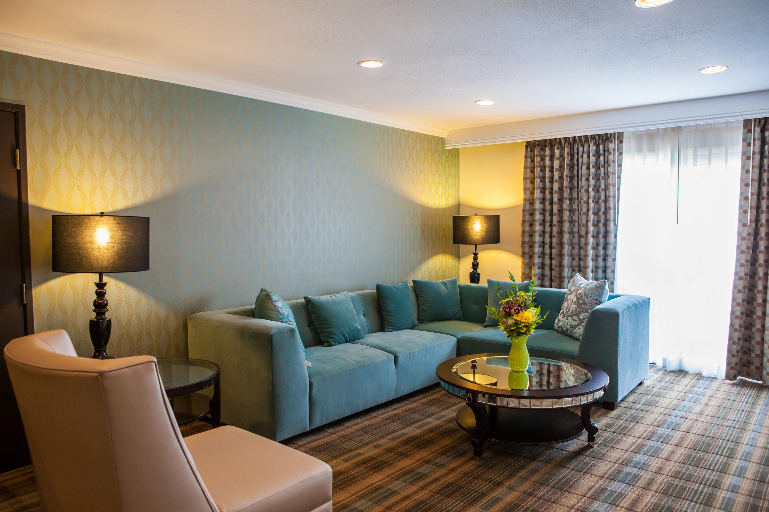 Ontario Gateway Hotel Suite