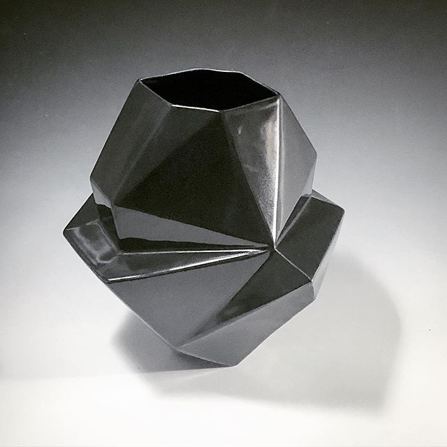 Black satin glaze geometric vase. #mirimaraceramics #handmadeceramics #design #homedecor #contemporaryceramics #studiopottery #summer #carpinteria #interiordesign #style #claysculpture
