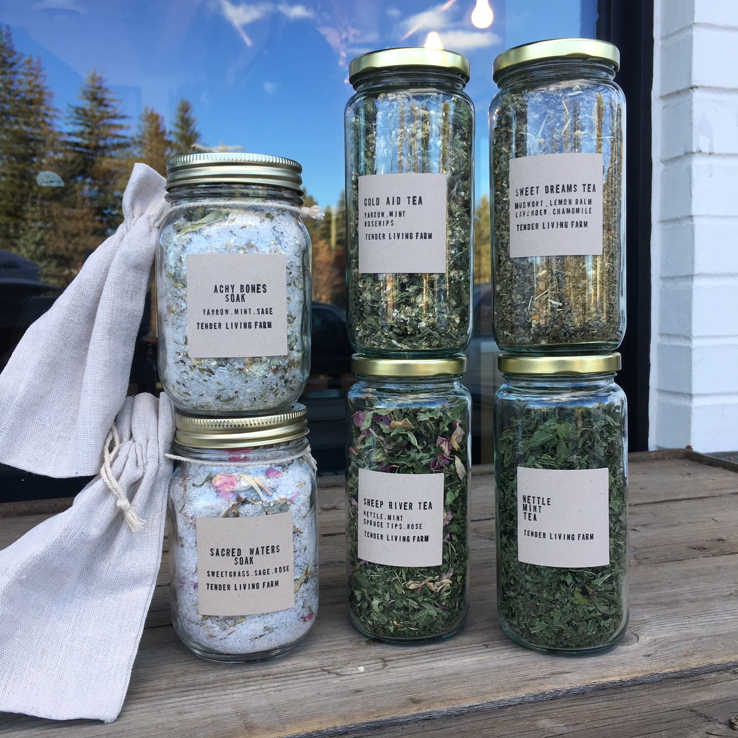 Tender Living Farm is a half acre off-grid homestead nestled in the foothills of Alberta. Focusing on all things made, grown, and foraged, Isis Velkova-Andrus has created a beautiful line of herbal teas and bath salts just in time for the winter months.