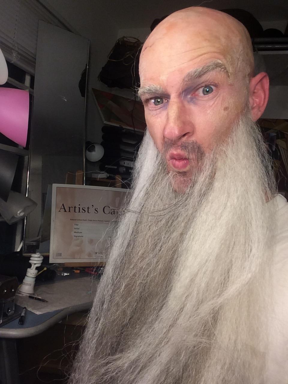 Gwen beard √.jpg