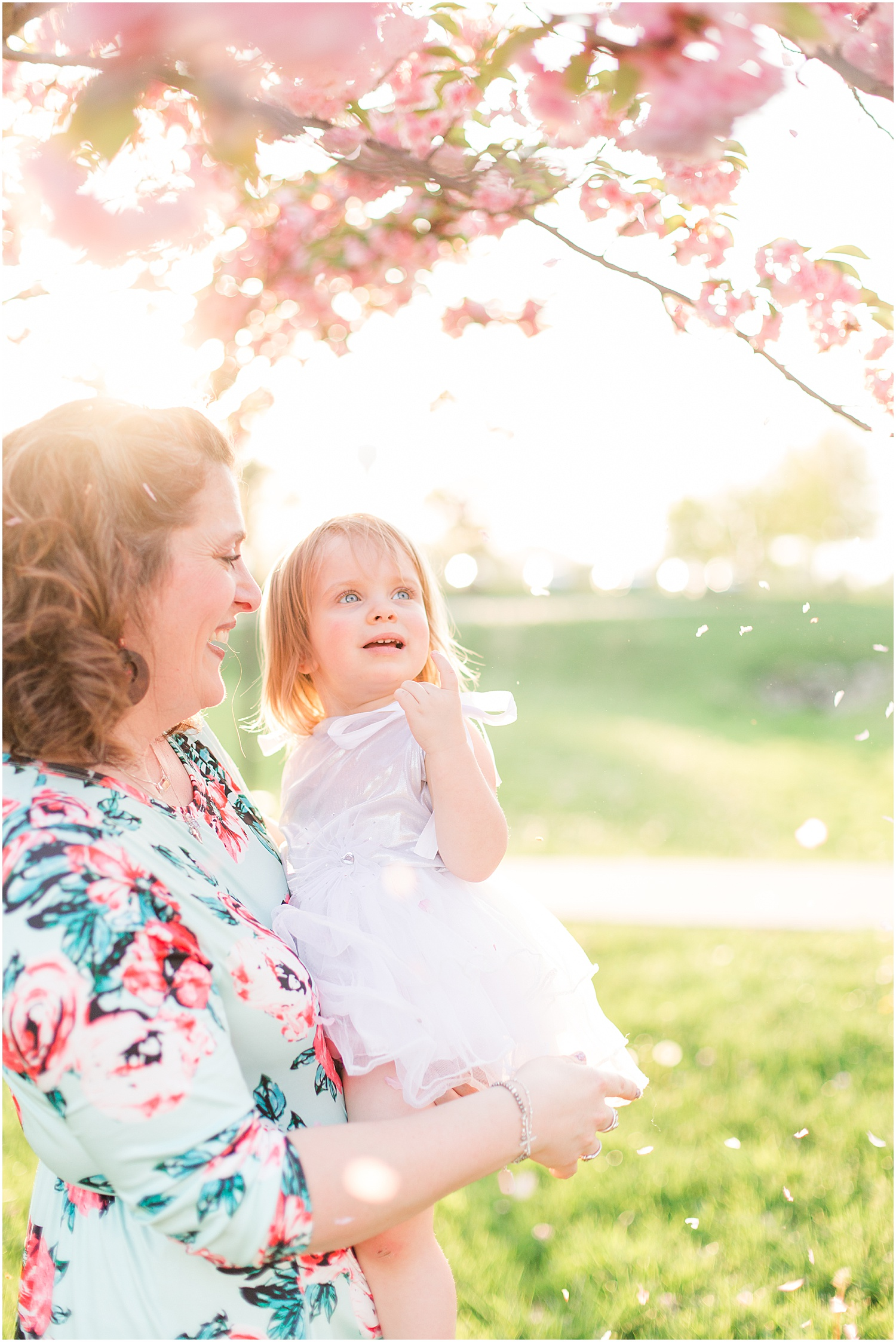Steubenville Ohio Pink Flower Family_0064.jpg
