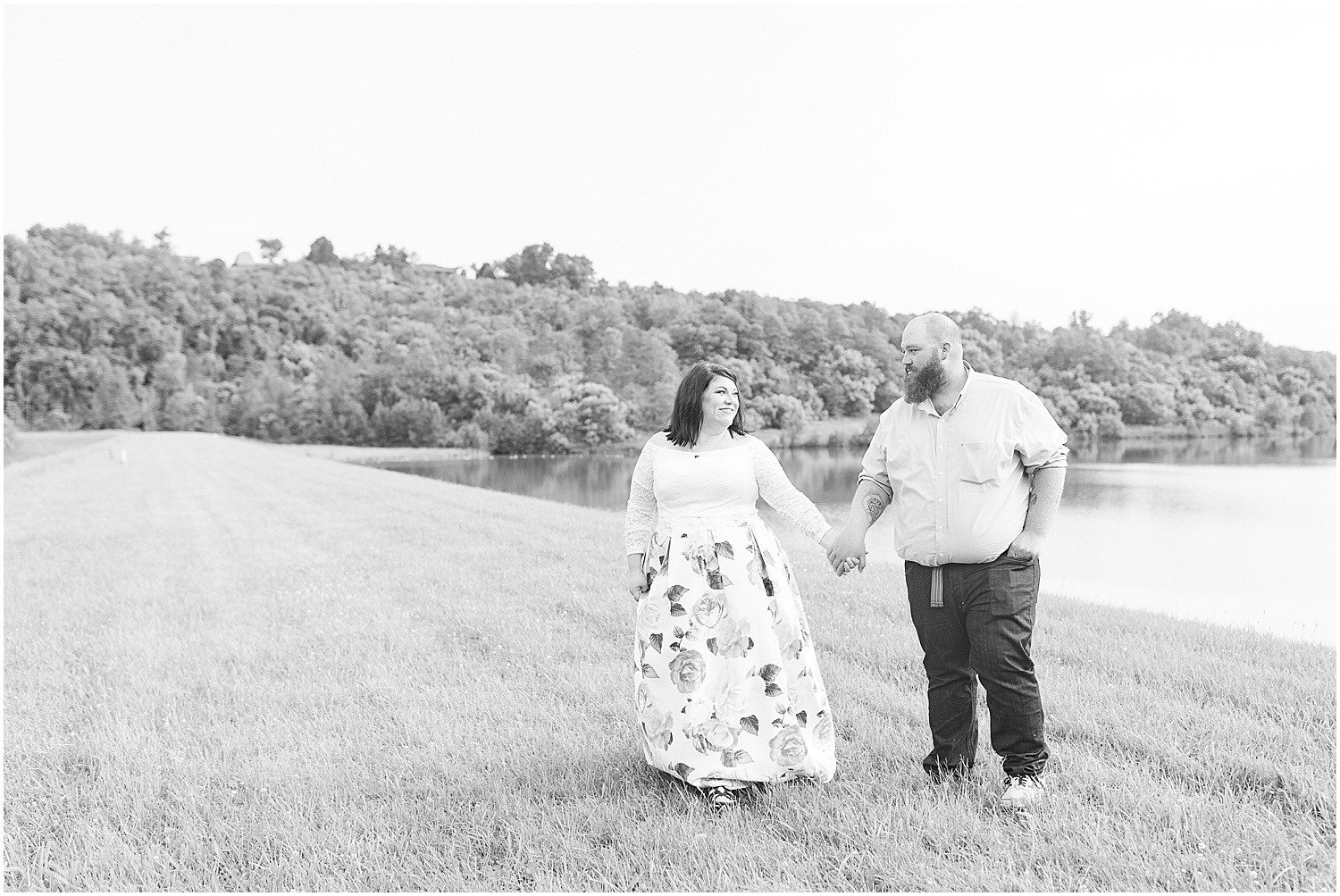 Friendship Park Engagment Session Smithfield Ohio_1238.jpg