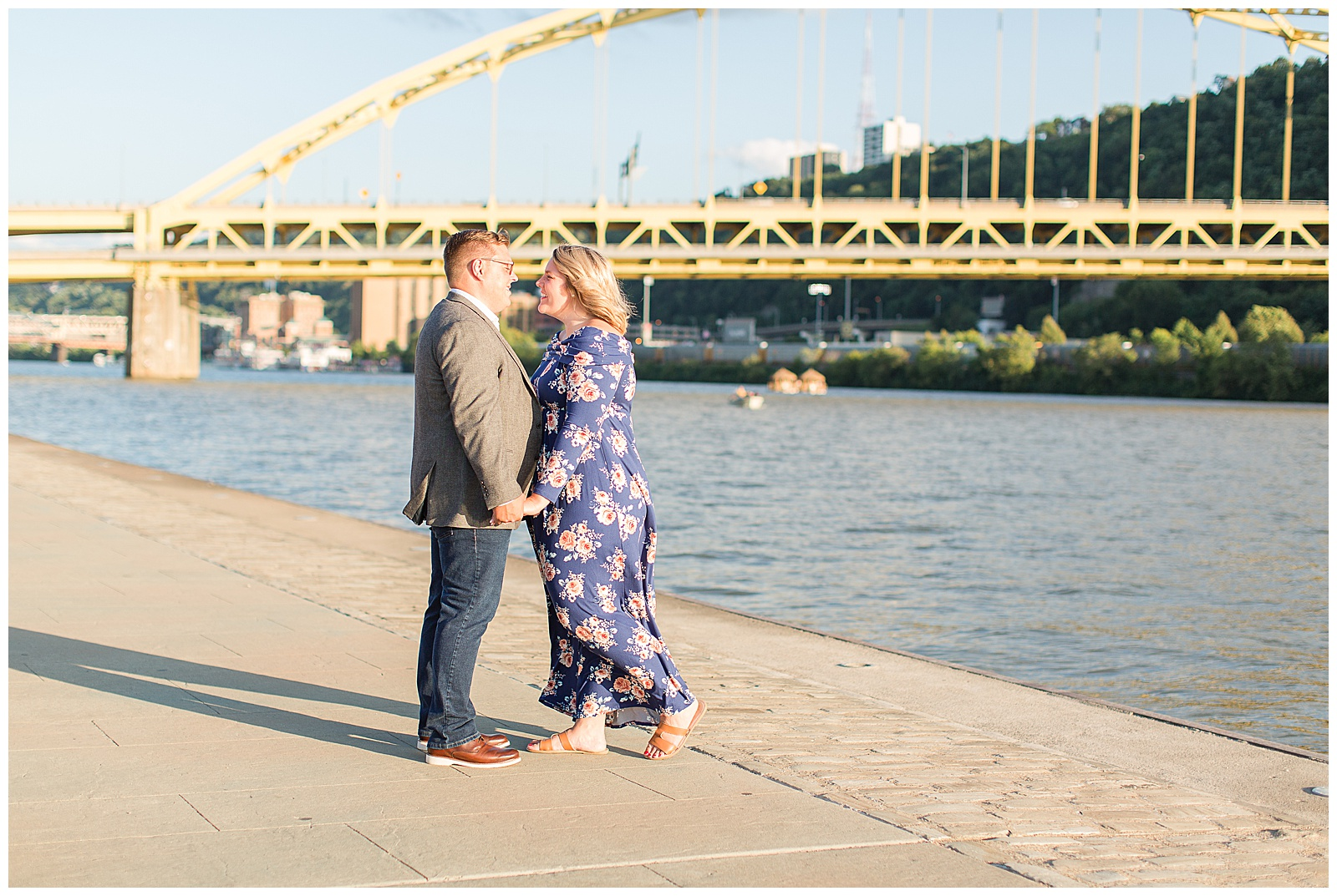 Point State Park North Shore Pittsburgh Engagement Photos_0160.jpg