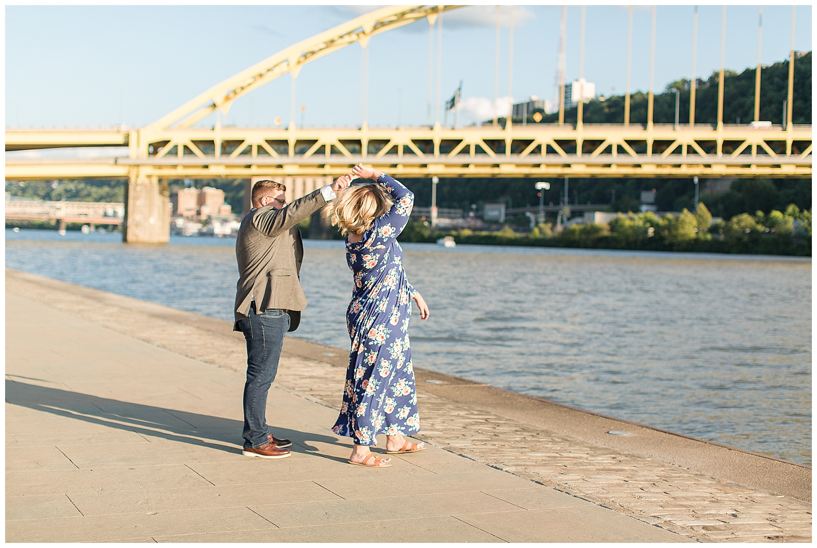 Point State Park North Shore Pittsburgh Engagement Photos_0166.jpg