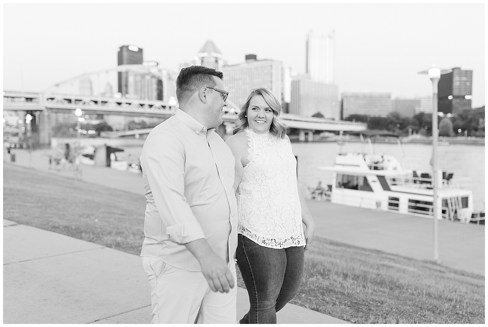 Point State Park North Shore Pittsburgh Engagement Photos_0198.jpg