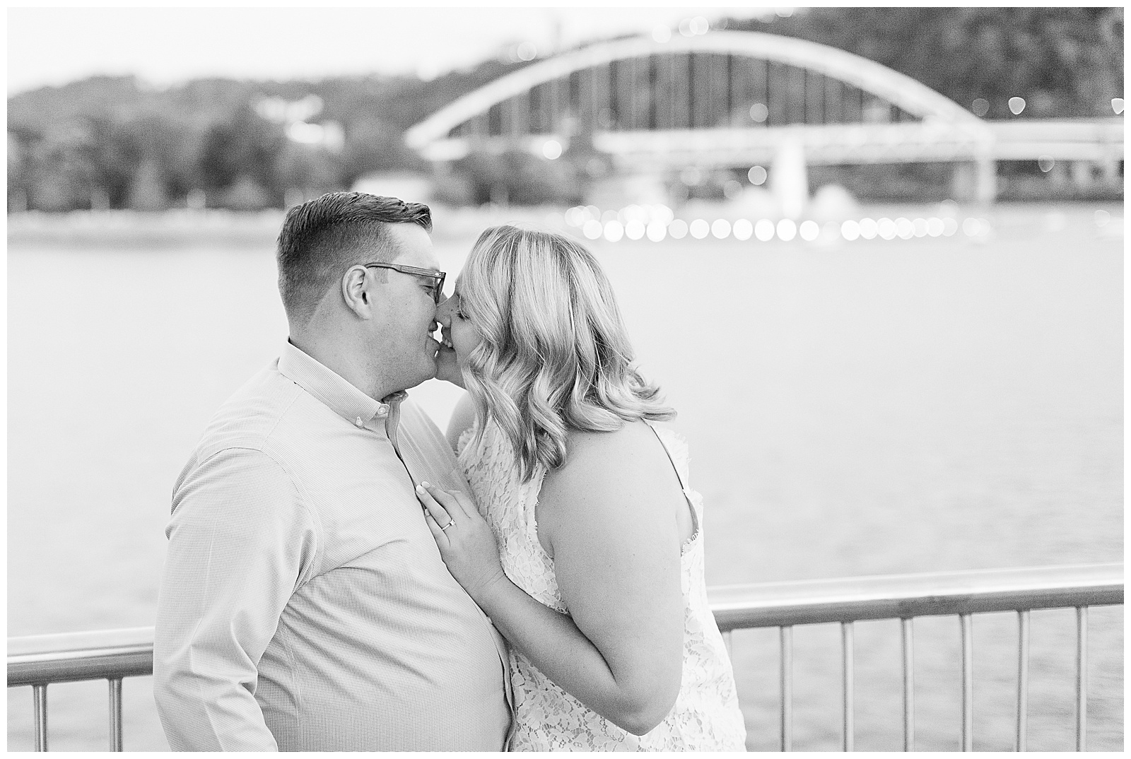 Point State Park North Shore Pittsburgh Engagement Photos_0203.jpg