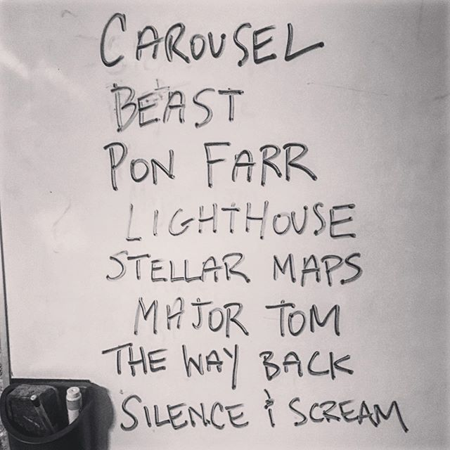 Tonight's set list on the board #setlist #badrobotjones #dcrocks