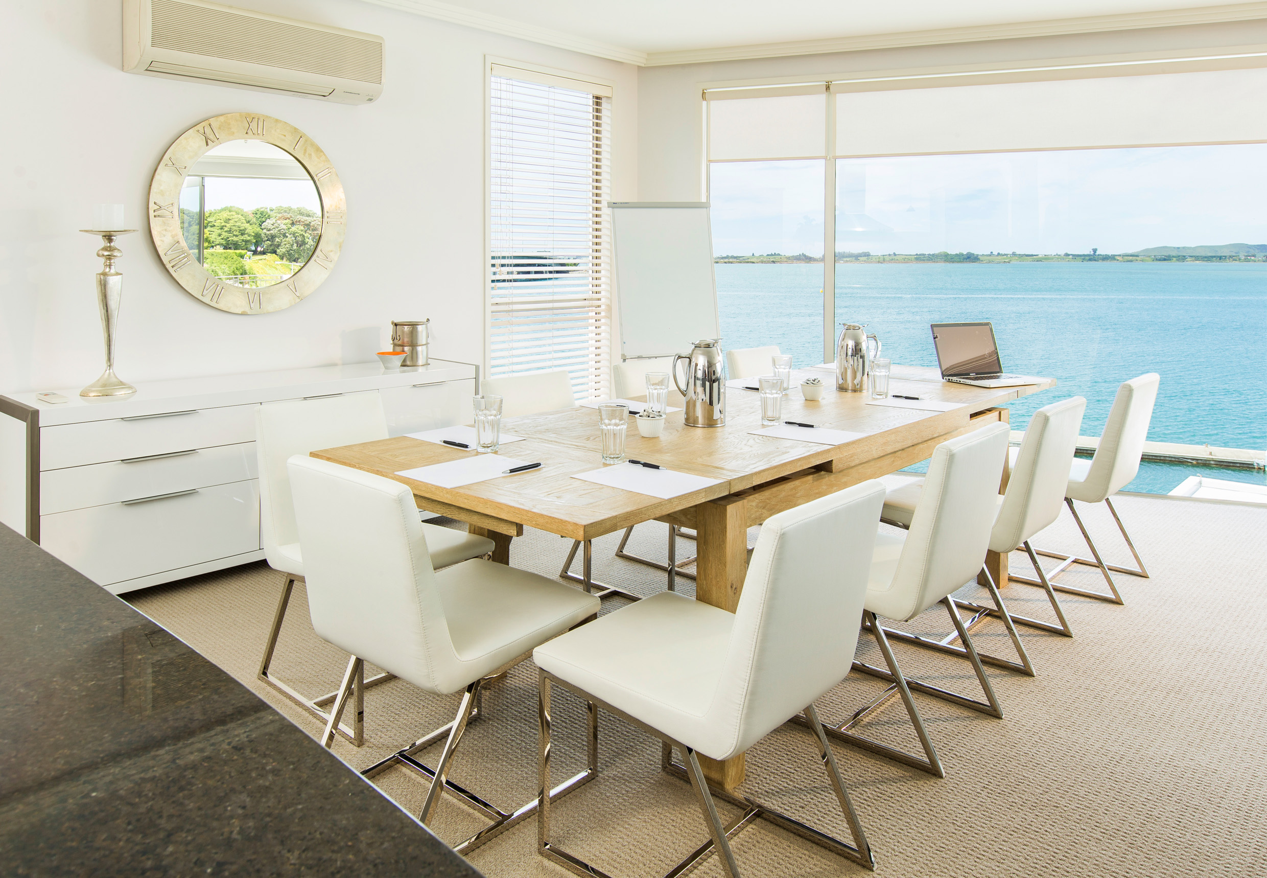 Trinity Wharf Tauranga Accommodation_Harbour View Three Bedroom Apartment_dining031.jpg