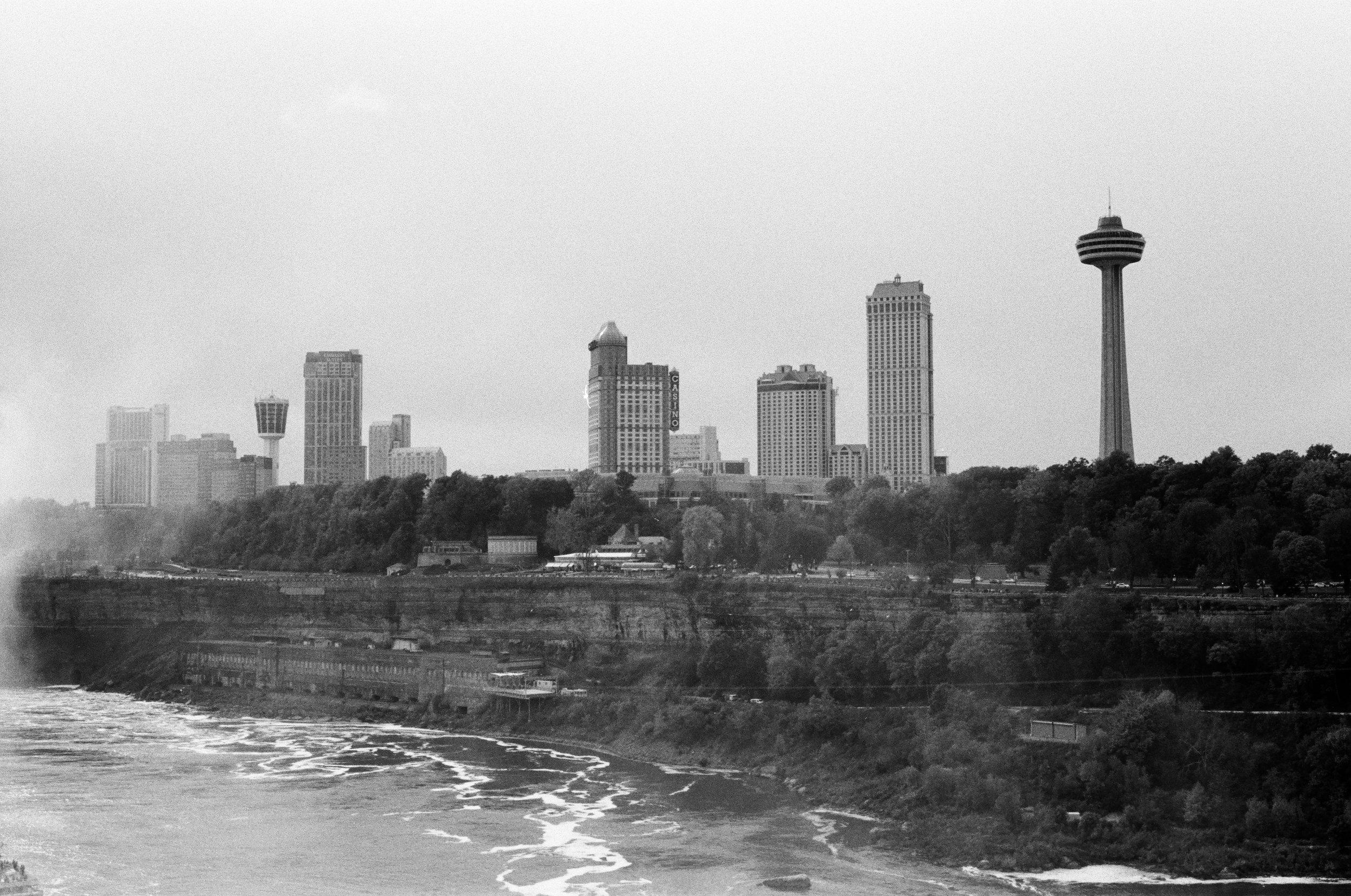Niagara'18:Retina:TriX:5.jpg