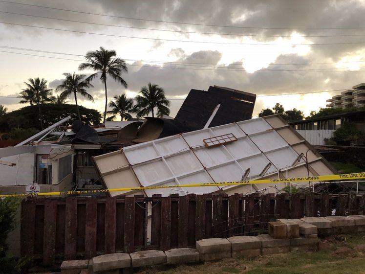 Kahala blown roof.jpg