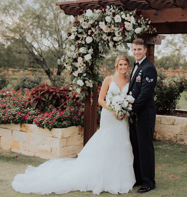 These sweet humans celebrated their one year wedding anniversary two weeks ago + we think that deserves some love! Hope your life together has been beautiful and sweet and full of memories! 📷: @alexwolfphoto_ . . . . . . . . . . #laurelandfinch #wacotown #wacoisawonderland #wacowedding #magnolia #weddingflorist #eventflorist #centraltexasweddings #centraltexasbride #bridetobe #newlyweds #happyanniversary #houstonweddings #bridesofhouston #dallaswedding #dallasbride #austinwedding #austinbride #texaswedding #texasbride #bridesofaustin #bridesofnorthtx #texasweddingflorist #studioflorist #bridetobe2020 #bewild #befree #becreative