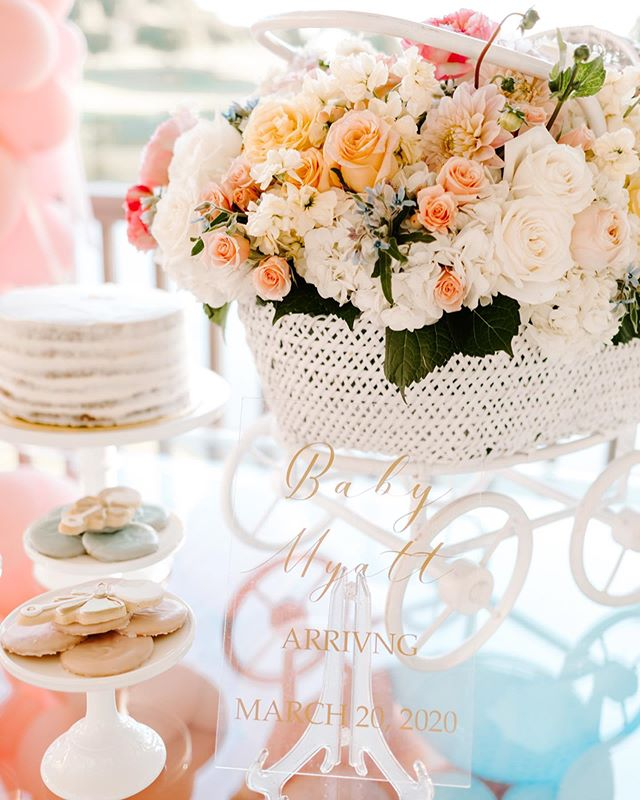 Did you know that we do more than just wedding design? laurel + finch was born out of a dream to create beautiful florals for weddings + special events, both personal and corporate! We had the pleasure of designing beautiful florals for a a gender reveal + birthday party for @lmyatt16! We think it turned out pretty smashing - what about you? 📷: @7sistersphotography . . . . . #laurelandfinch #wacotown #wacoisawonderland #wacowedding #magnolia #genderreveal #happy40thbirthday #itsaboy #weddingflorist #eventflorist #centraltexasweddings #centraltexasbride #bridetobe #2020bride #dallaswedding #dallasbride #austinwedding #austinbride #houstonweddings #houstonbrides #texaswedding #texasbride #bridesofaustin #bridesofnorthtx #bridesofhouston #texasweddingflorist #bewild #befree #becreative