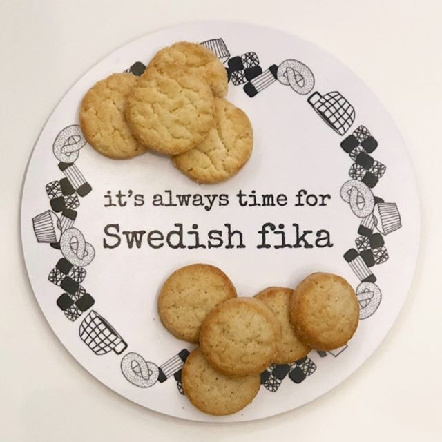 New cardamom and lemon cookies from Nyåkers pair perfectly with an afternoon fika ☕️ 🍪 Stop by for a sample! . . . #fika #cardamom #lemon #scandinavian #madeinsweden #scandiflavors #fikatime #nordic #nordiskashop #nordiskapoulsbo #scandifood #scandishop #poulsbo #pbo #shopsmall @erikatubbin