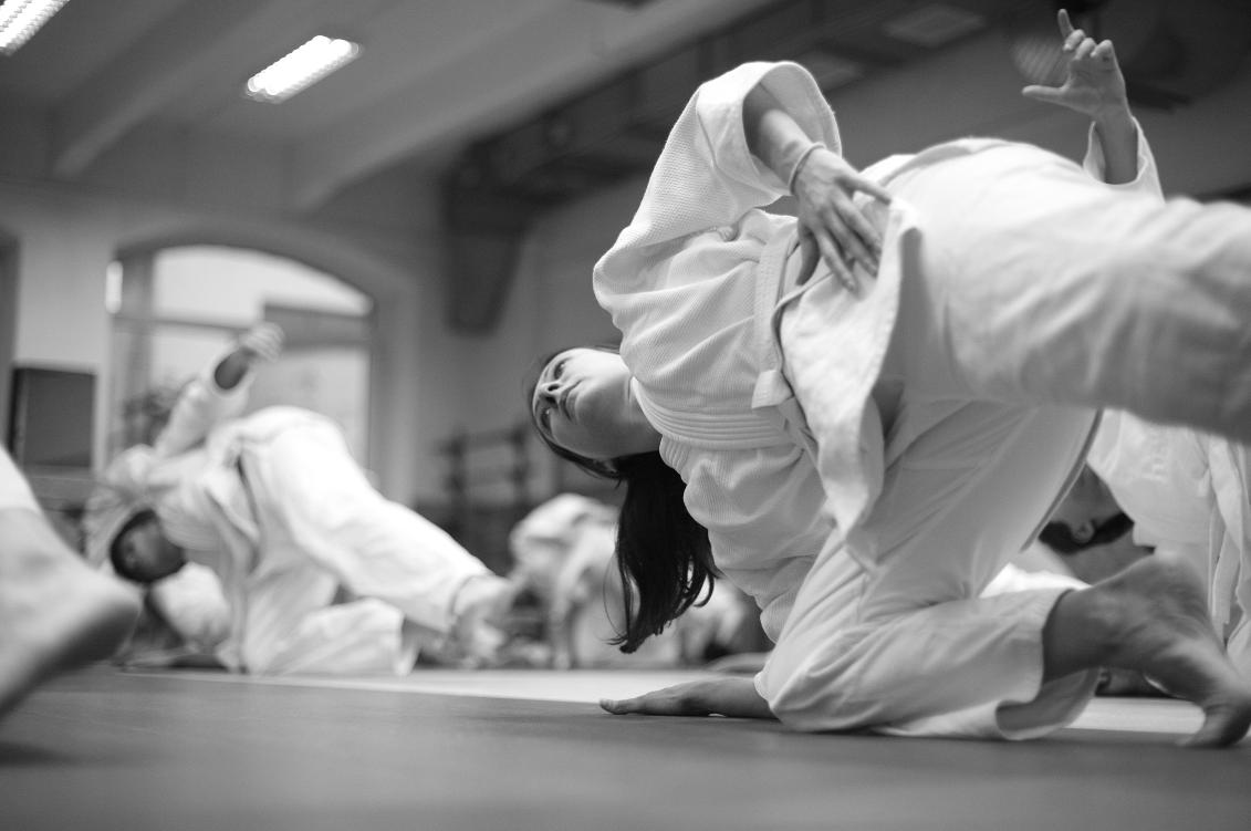 womens-martial-arts-classes.png