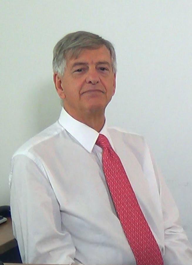 professor-francesco-tamburrelli-Medici-Villa-Stuart.jpg