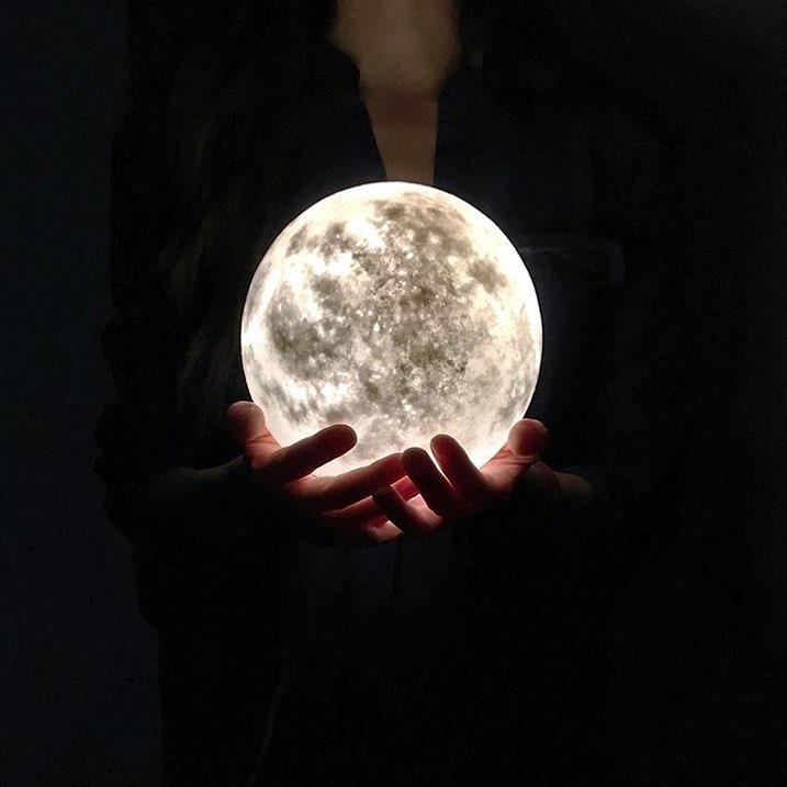#lunalamp #月球燈luna #月亮燈#acornartstudio  photo by @jooannalai
