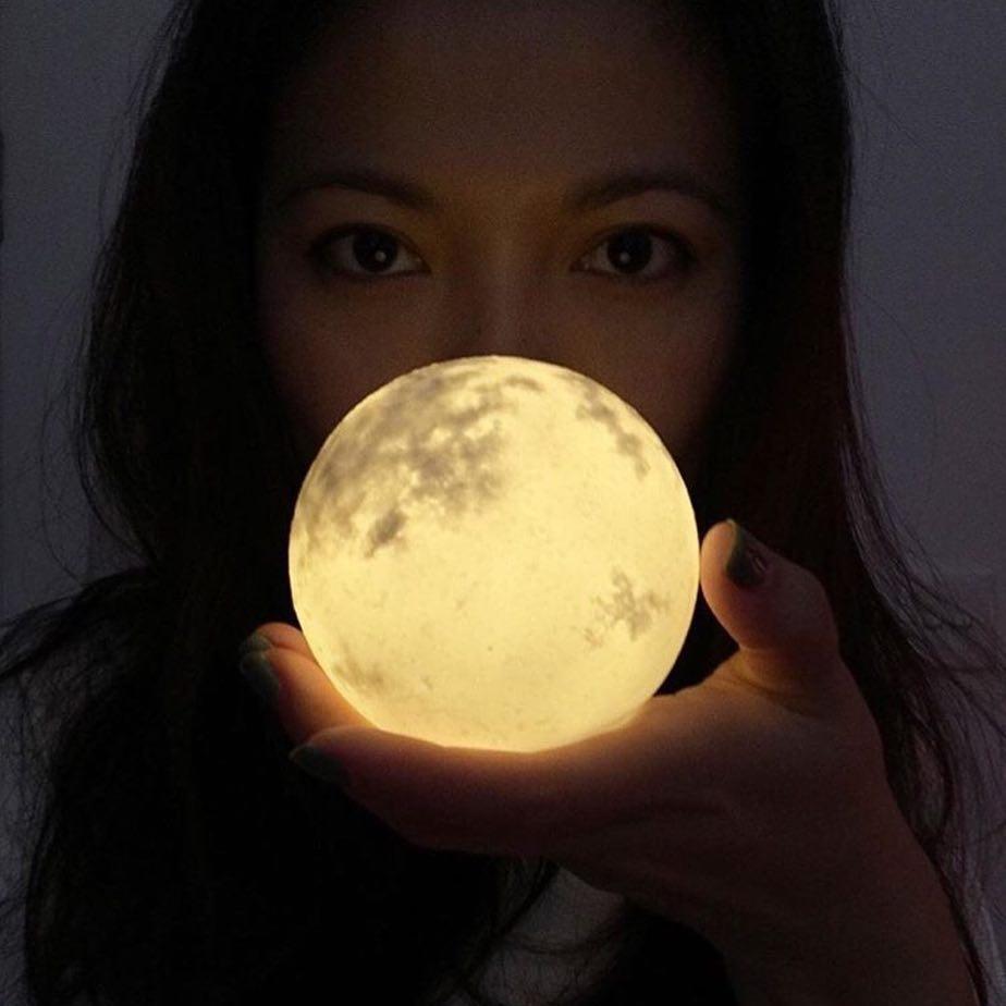 #lunalamp #月球燈luna #月亮燈#acornartstudio  photo by @pchanpoyan