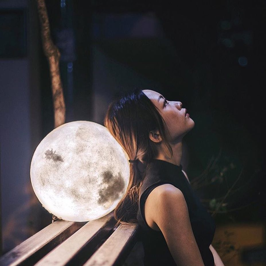 #lunalamp #月球燈luna #月亮燈#acornartstudio  photo by @lielaine