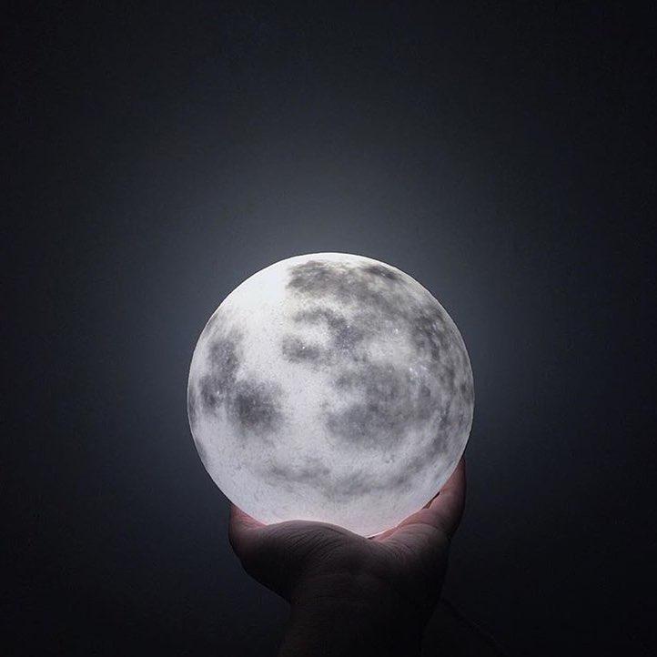 #lunalamp #月球燈luna #月亮燈#acornartstudio  photo by @chelsea_chiu
