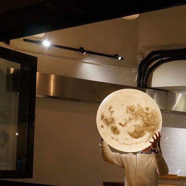 #lunalamp #月球燈luna#月亮燈#acornartstudio  photo by @ethosstores