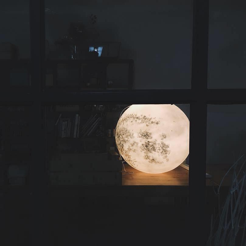 #lunalamp #月球燈luna #月亮燈#acornartstudio  photo by @pauserewindnfastforward