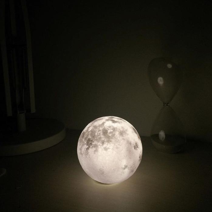 #lunalamp #月球燈luna #月亮燈#acornartstudio  photo by @t_aitau