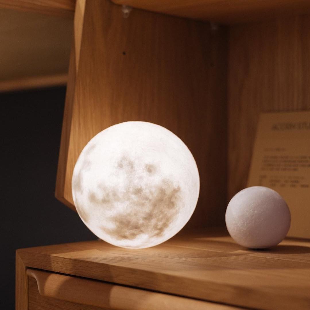#lunalamp #月球燈luna #月亮燈#acornartstudio  photo by @outofcafe
