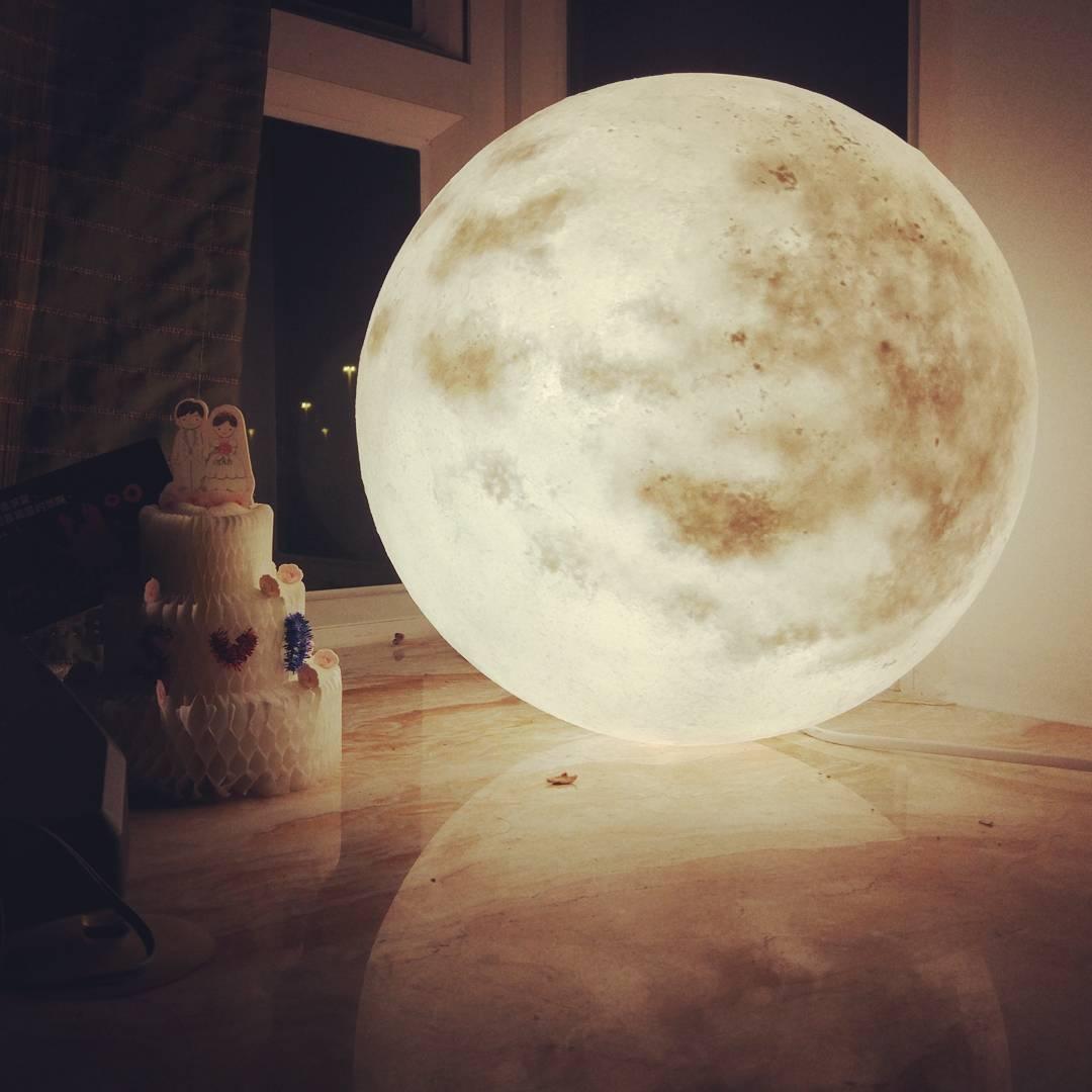 #lunalamp#月球燈luna #月亮燈#acornartstudio  photo by @sandying120