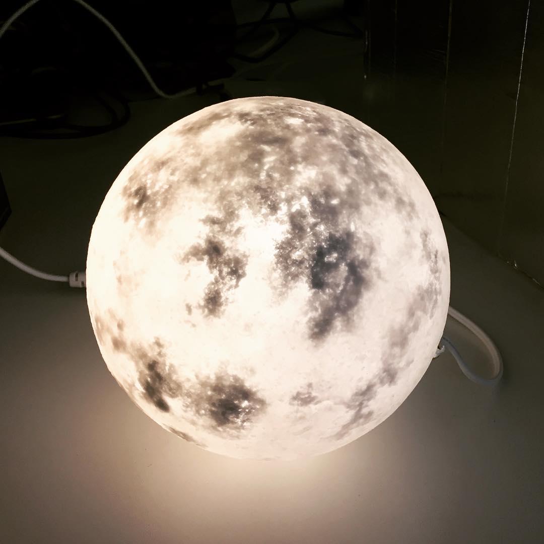 #lunalamp#月球燈luna #月亮燈#acornartstudio  photo by @patpatpatsy