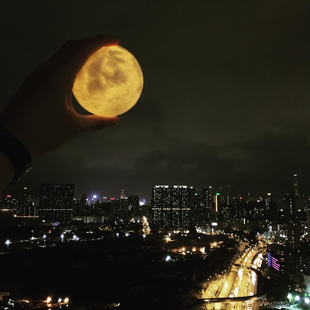 #lunalamp #月球燈luna #月亮燈#acornartstudio  photo by @tonytungtung