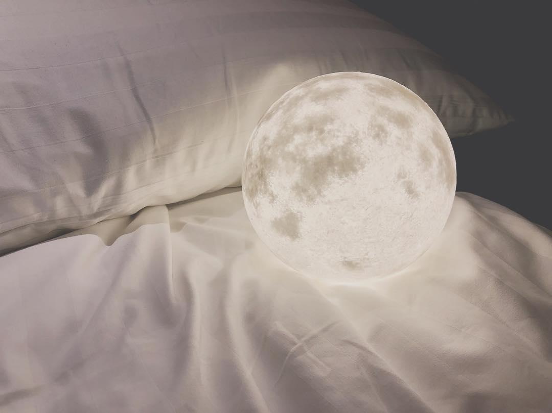 ununliving luna lamp 15 usb.jpg