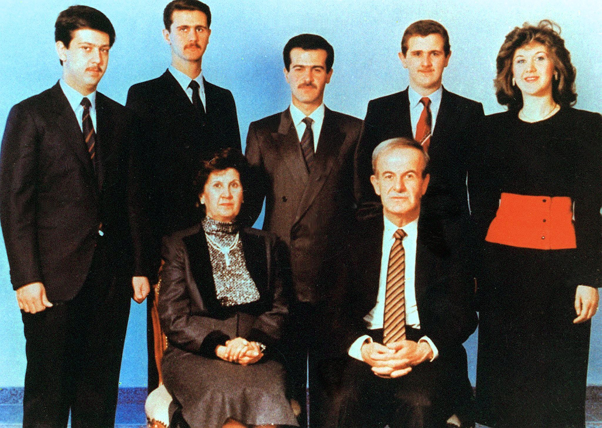 LS1648M Getty Assad family group photo c1990 126341762.jpg