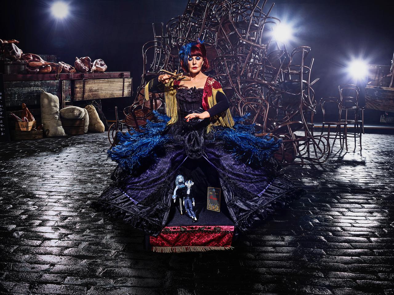 La reina de los títeres The Puppet Queen