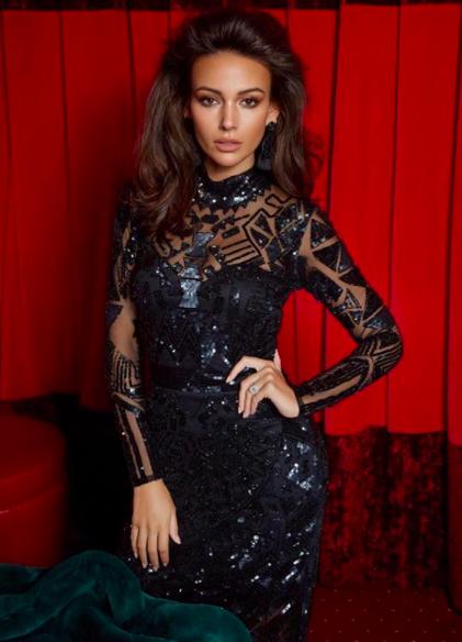 Emily Clarkson Cassie Lomas Makeup Academy Cosmopolitan Magazine