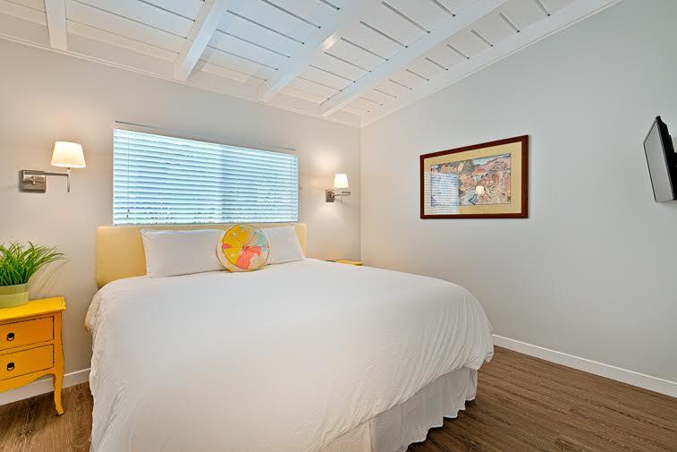 La Jolla Shores Bedroom 4.jpg