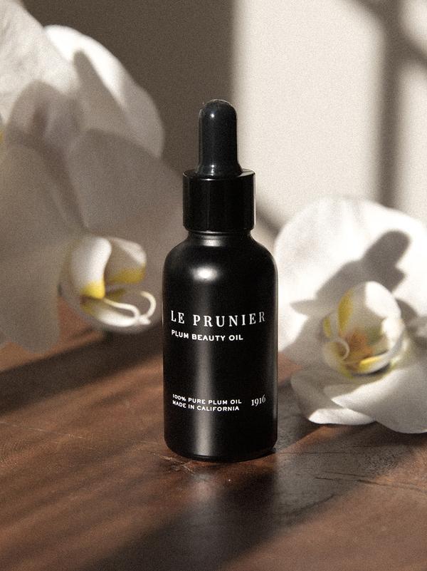 plum-beauty-oil-1-oz-le-prunier-product-3_600x.jpg
