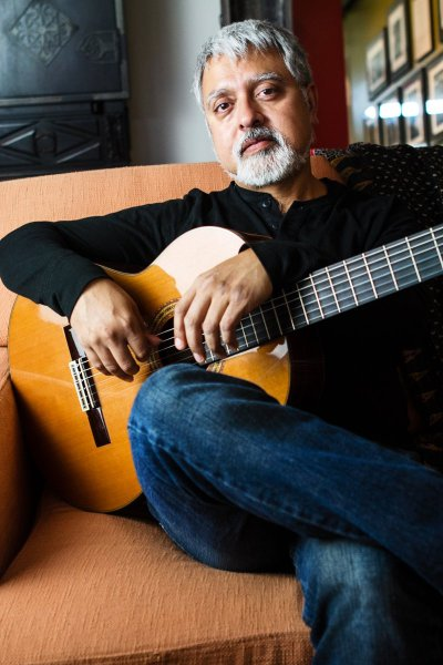 Jazz-Up Glen Ellyn Artistic Director and renowned jazz guitarist Fareed Haque.
